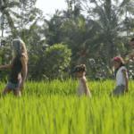 נגה וייס ומשפחתה מיישמים חינוך חופשי