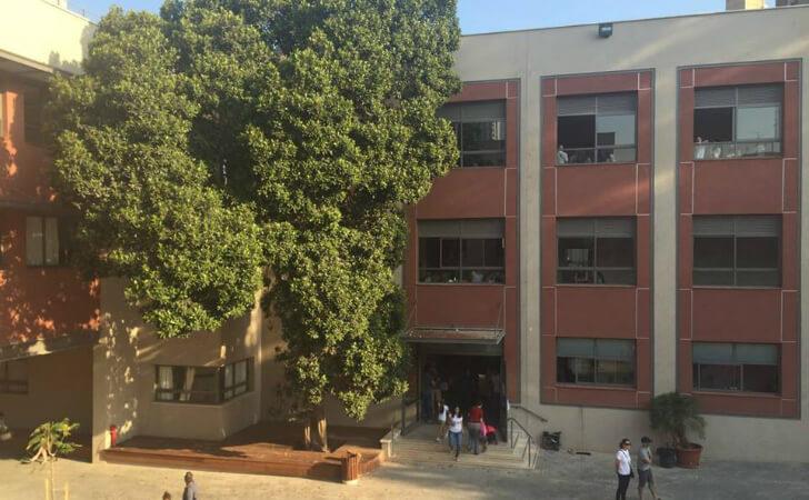 חצר בית ספר זומר המשופץ. צילום דף הפייסבוק של בית הספר