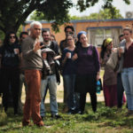 גלעד גולדשמידט וסטודנטים מהכשרת וולדורף בדוד ילין, בעת סיור בהרדוף. צילום: משי אליה קמל