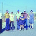 טיול שבת של קבוצת הראשונים מהכפר לכוון באר-שבע )סביב 1985 (, צלם לא ידוע