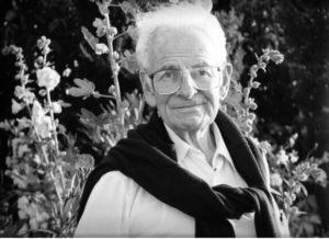 האב ברונו הוסאר, שנות ה-90. צילום מעזבונם של חווה ומיכאל לוי