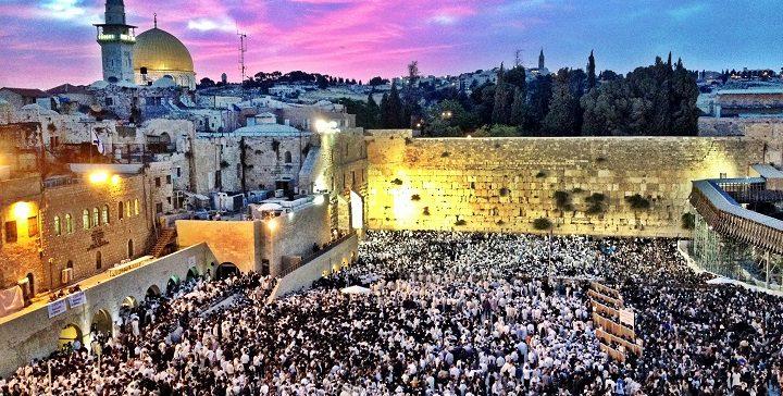 תיקון ליל שבועות: אכסניה לזהותו של היהודי החדש