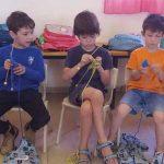 """ילדים סורגים """"כבשים"""" בבית ספר אלומות, שוהם. צילום: מוהן רם"""